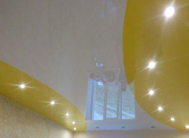 Комбинированный натяжной потолок №10