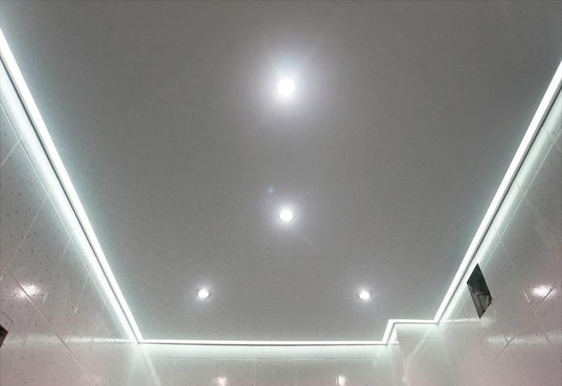 Контурный натяжной потолок №1