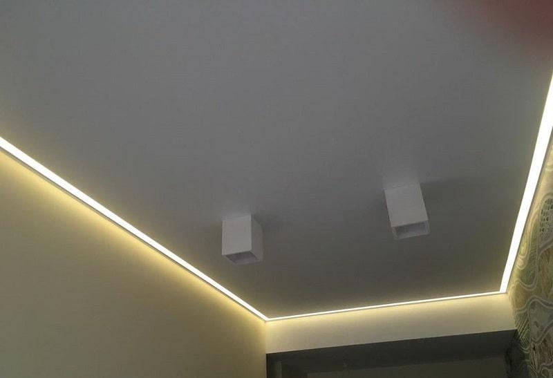 Контурный натяжной потолок №4