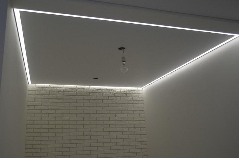 Контурный натяжной потолок №7