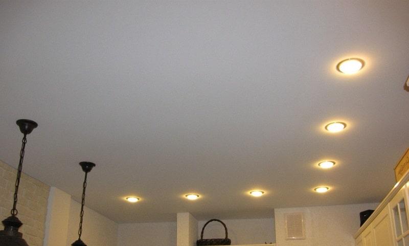 Матовый натяжной потолок №3