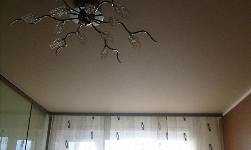Матовый натяжной потолок №7