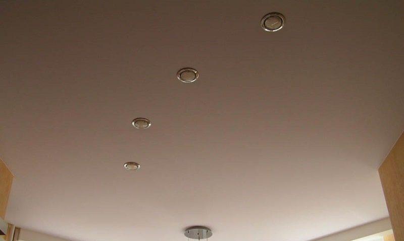 Матовый натяжной потолок №9