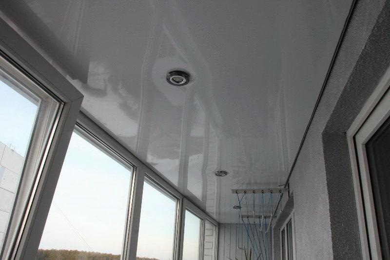 Натяжной потолок на балконе №5