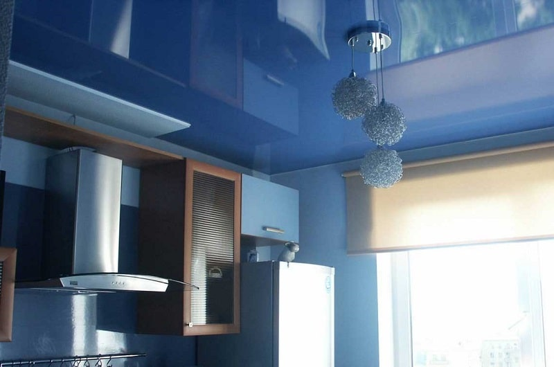 Натяжной потолок на кухню №2
