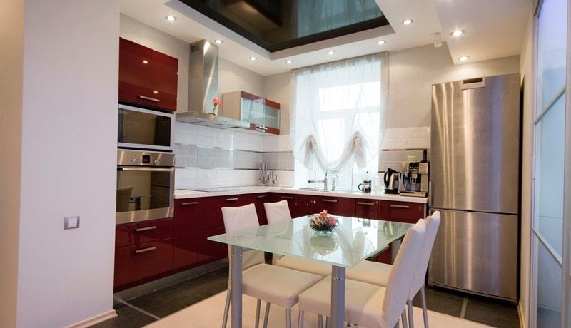 Натяжной потолок на кухню №5