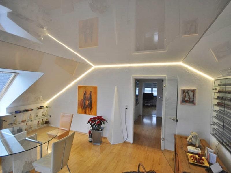 Натяжной потолок на мансарде №2