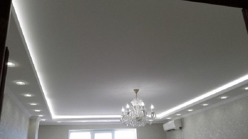 Натяжной-потолок-с-подсветкой-№1