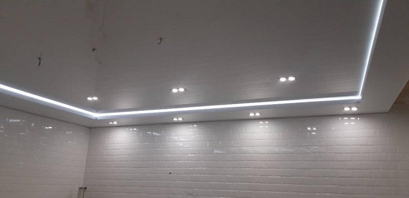 Натяжной-потолок-с-подсветкой-№3