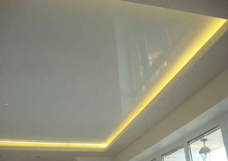 Натяжной-потолок-с-подсветкой-№4