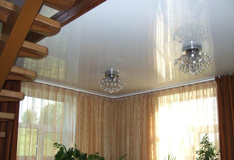 Натяжной потолок в частном доме №1