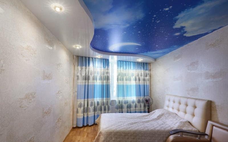 Натяжной потолок в маленькой комнате №4