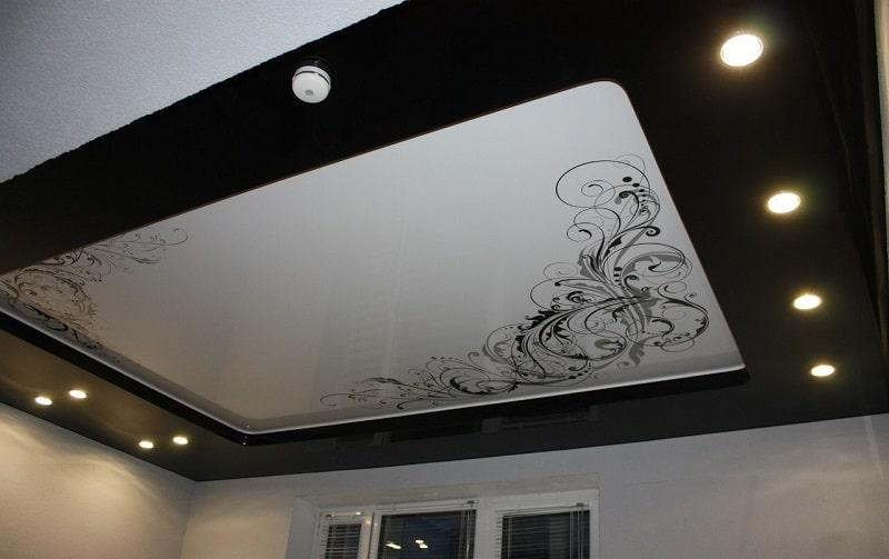 Натяжные потолки с рисунком №2