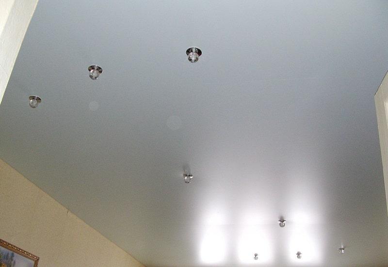 Сатиновый натяжной потолок №2